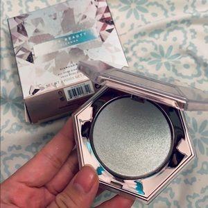 Fenty Beauty Makeup - Fenty beauty diamond bomb highlighter I